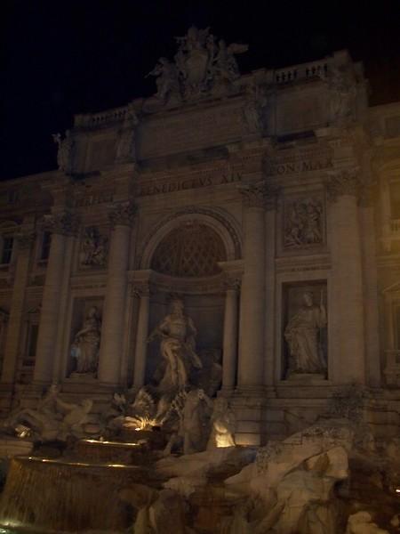 Fontana di Trevi lit up at night