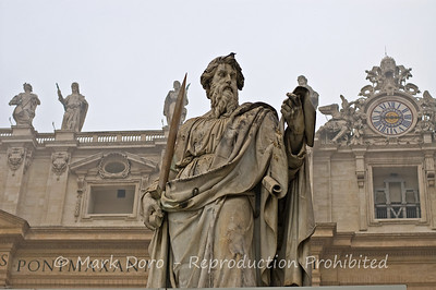 Statue, St Peter's Basilica, Vatican, Rome, Italy