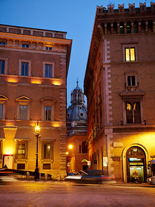Roma by night