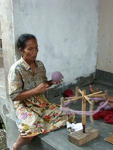 Winding the thread into a ball