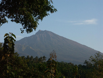 As the day heated up, the view of the mountain cleared.