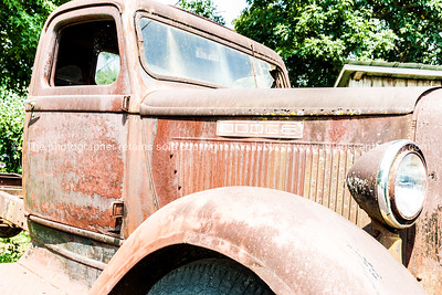 Old Dodge Truck, Sinclair on Route 66, Missouri, USA