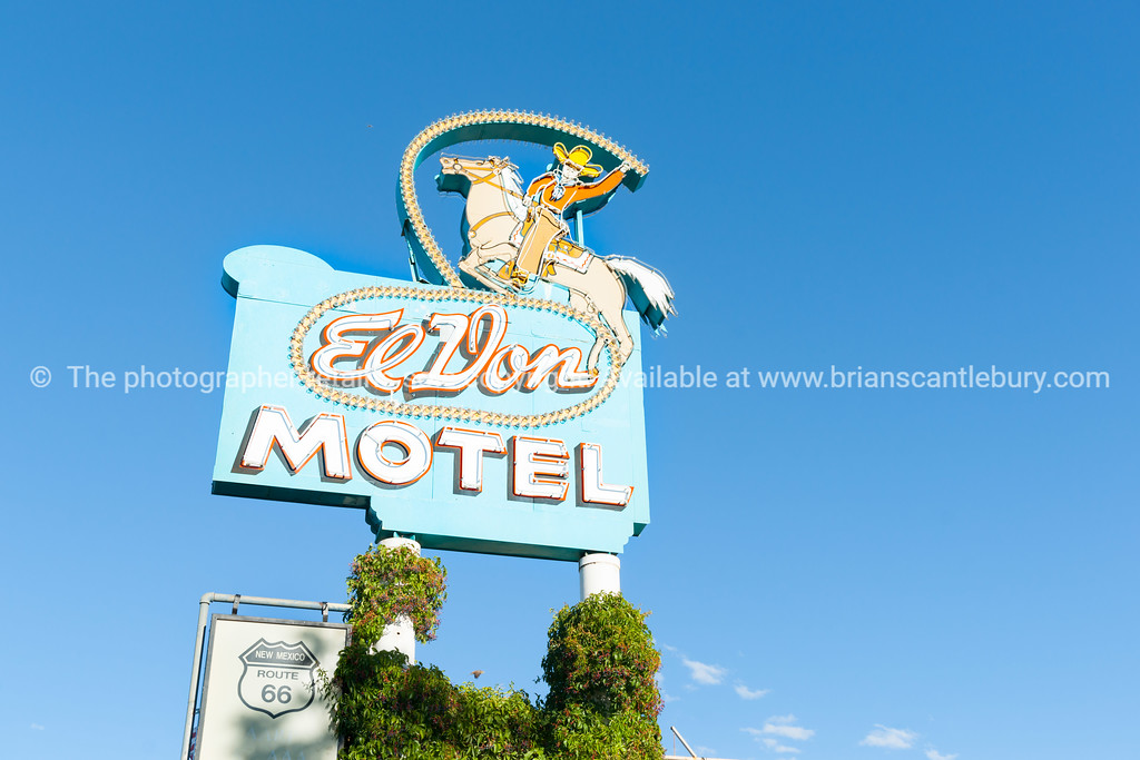 El Don Motel sign, Albuquerque, New Mexico, USA.