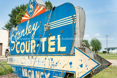 Junk and signs in Staunton Illinois