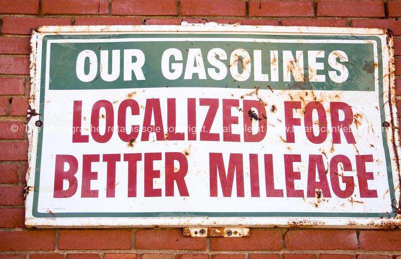 Old gasoline sign, Sandhills Curiousity Shop, Erick, Oklahoma, USA.