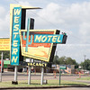 Western Motel retro sign Sayre, Oklahoma, USA.