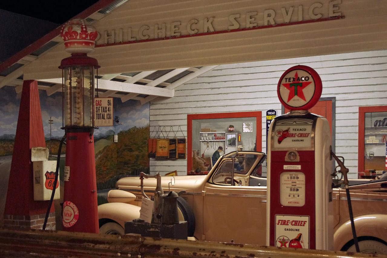 Service Station mockup, Route 66 Museum, Lebanon, Missouri.