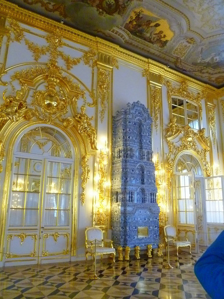 Inside Catherine's Palace,  Blue ceramic room heater
