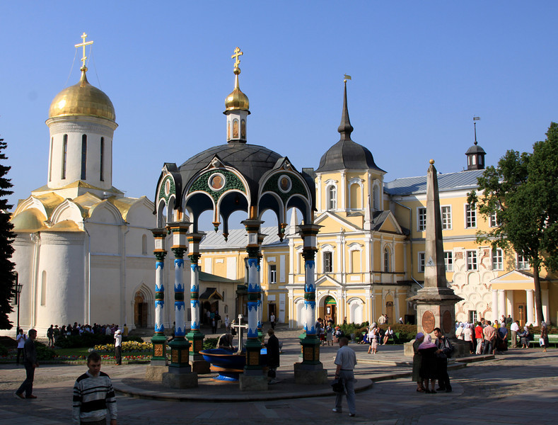 Trinity Monastery of St Sergius, Sergiev Posad - The central courtyard showing the Chapel-at-the-Well (centre), Trinity Cathedral (left) and Vestry (right).