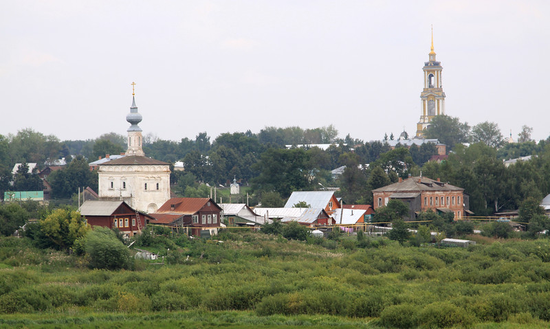 Suzdal - Churches and houses.  The tall bell tower is within the Monastery of the Deposition of the Holy Robe.