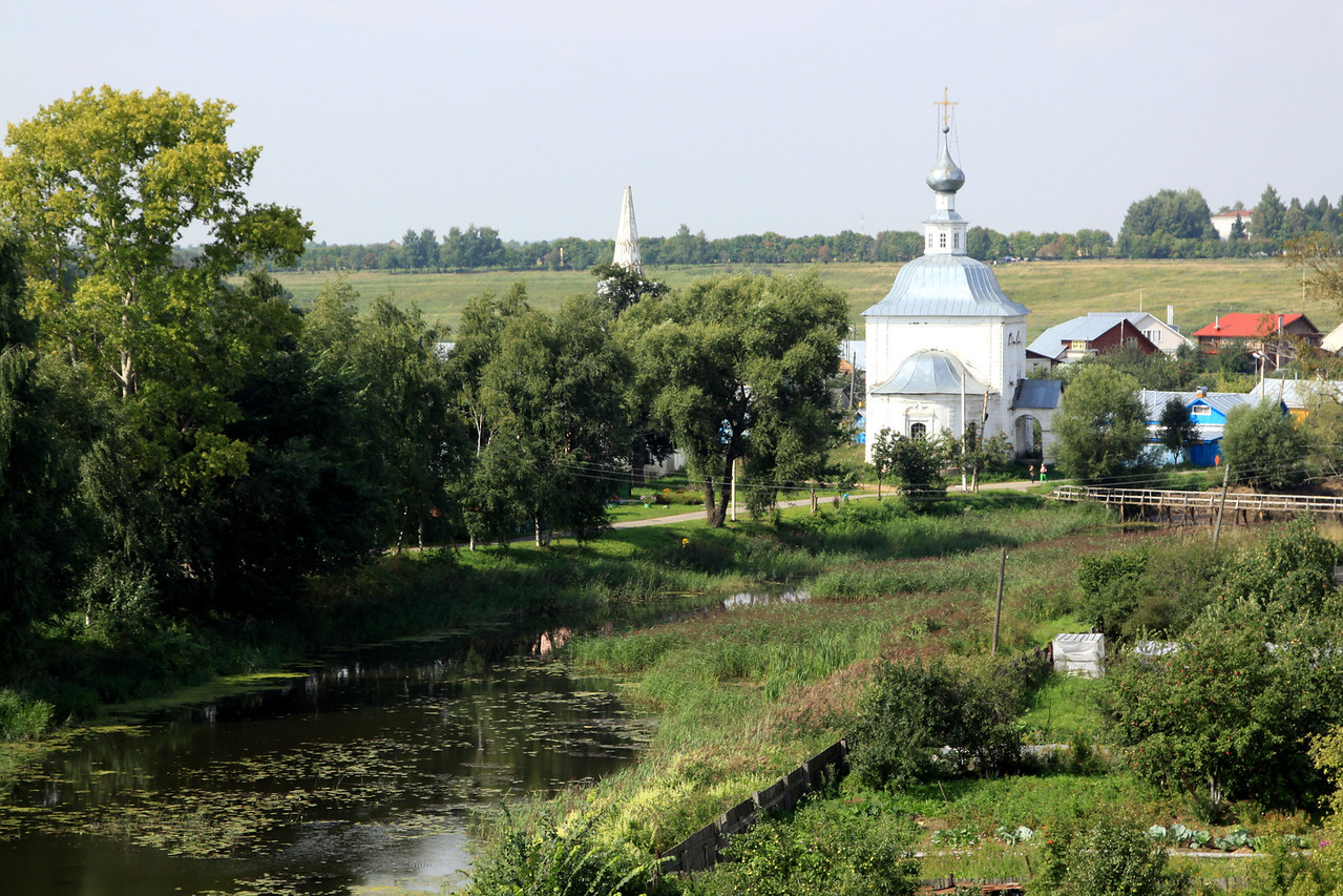 Suzdal - Kamenka River and chucrh.