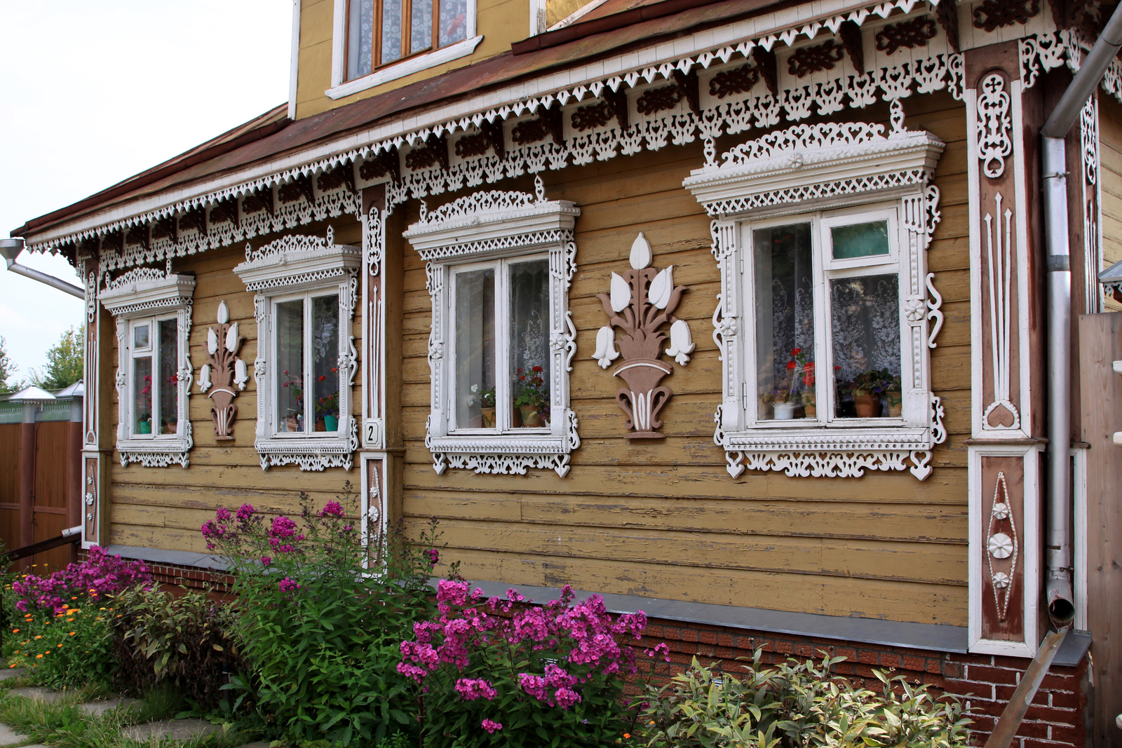 Suzdal - Local wooden house.
