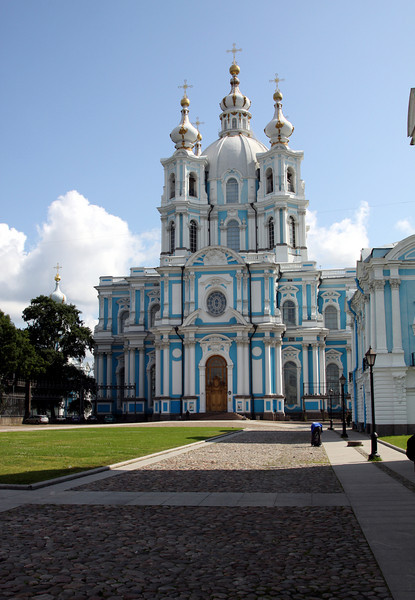 Smolny Cathedral, built between 1748 and 1757 was designed by Rostrelli.