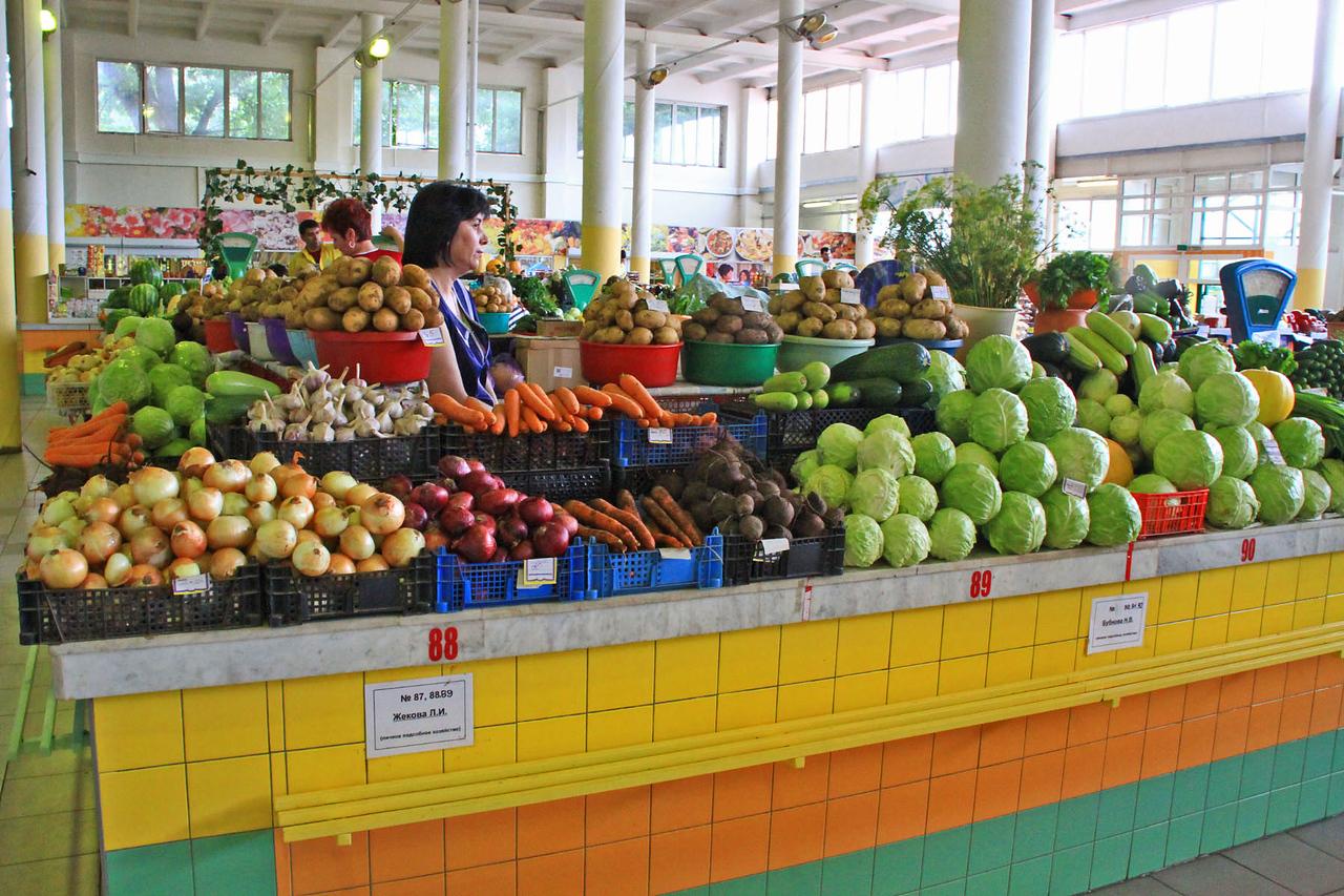 Fruit Stand - Yaroslavl