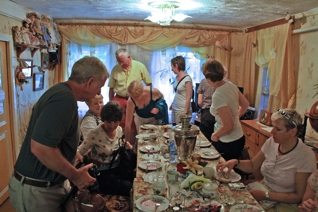 Visit to Russian Family Home - Uglich