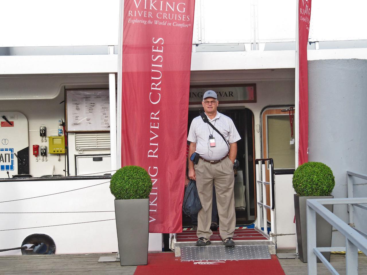 Leaving Viking Ingvar for Morning Tour