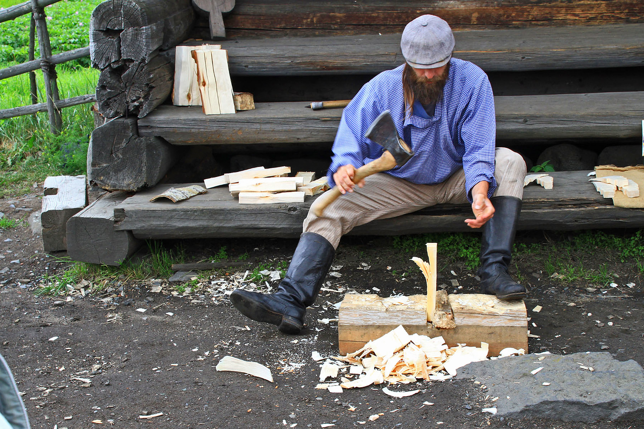 Handmaking Shingles for Wooden Dome