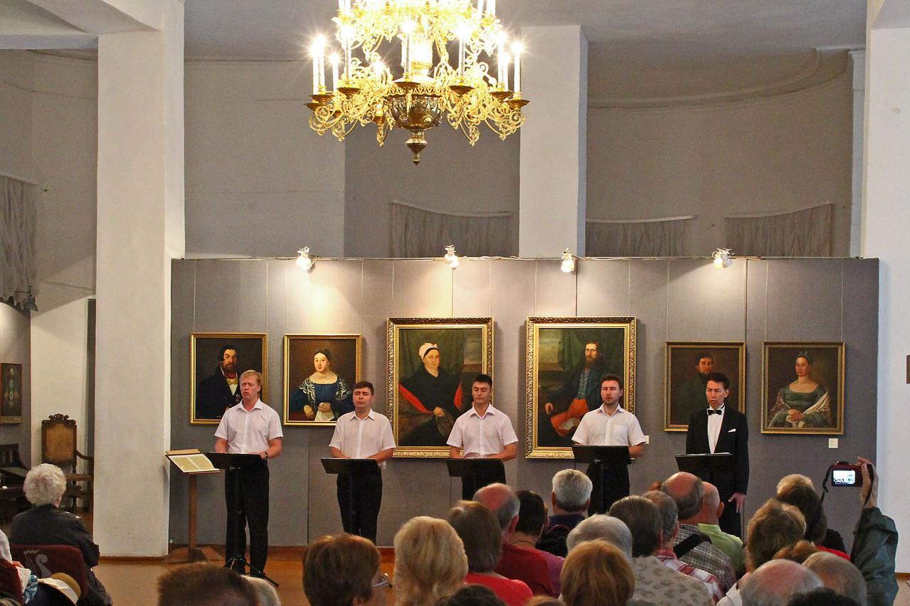 Church in Uglich - Choir
