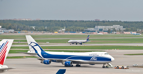 грузовой Jumbo Jet (Boeing 747), зарегистрирован на Бермудах