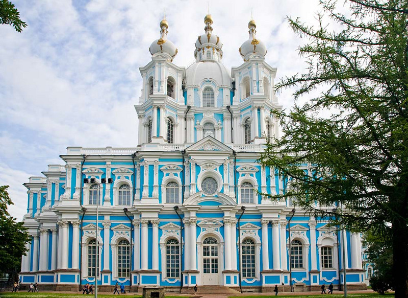 Smoldy Cathedral built to house the daugter of Peter the Great, as the center of a monastery from the mid XVIII century.