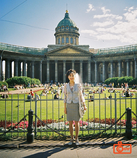 Rosa in front of Kazan Cathedral. The cathedral was built 1801-1811, and was modelled after St Peter's Cathedral in Rome.<br /> F1010016