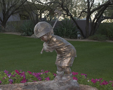 Grayhawk statue -- reminiscent of the Little Putter Boy at Pinehurst
