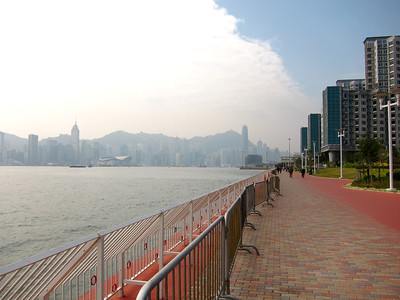 a nicer day today (Dec.31) for a walk along Tsim Sha Tsui promenade