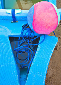 2012-01-18_Bali_Sanur_BeachBall_on_Boat_DSC2975