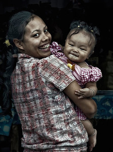 2012-01-21_Bali_DanuBratan_Roadside_MotherBaby_mixed-4154