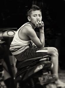 2012-01-21_Bali_BoyOnScooter_4158-mono