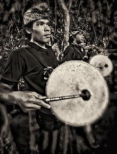 2012-01-23_Bali_Cremation_Drummers-4450-2-mono
