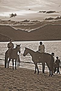 Sunset Horsemen-5172monoWeb800