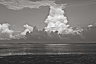 Georgetown Bay Clouds-5317monoWeb800
