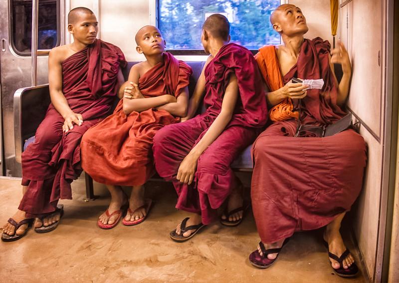 2014-10-09_Yangon_RR_4Monks_HDR-0984-