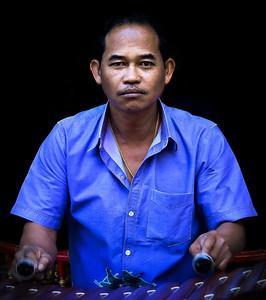 2013-12-21_Thailand_Ang Thong_Musician-0142