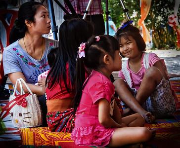 2013-12-21_Thailand_Ang Thong_MotherDaughters-0047