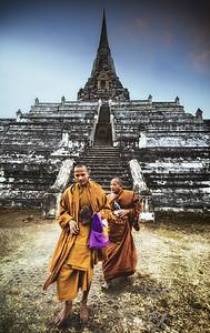 2013-12-27_AyutthayaTempleMonks-mix-2884