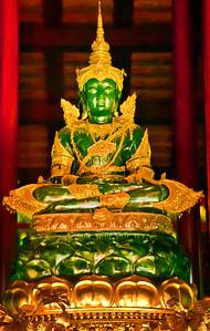 2006-12-15_Thailand_Chiangrai_JadeBuddha-11583