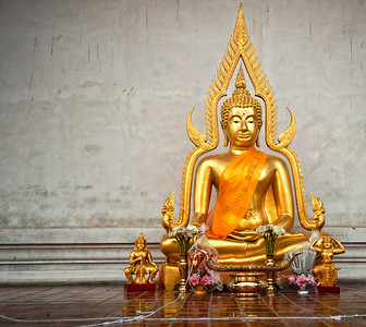 101221-Chiangmai_ChediLuangBuddha7593
