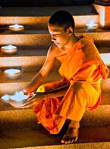 ChiangMai_1769_Monk_PR_shot_holding_candle