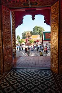 2012-12-26_Thailand_Lamphun_ThruDoorwayHDR
