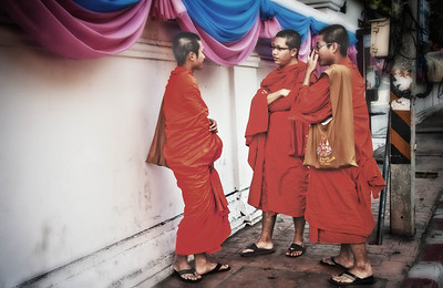 ChediLuangTeenAgeMonks2012-12-26_Thailand_Chiangmai-3200