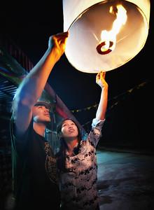 JakeAtcharaFireBalloon2012-12-31_Thailand_Chiangmai-3922