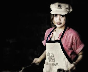 2012-12-21_Chiangmai_SinghaGirl_Frycook-2430-mixed