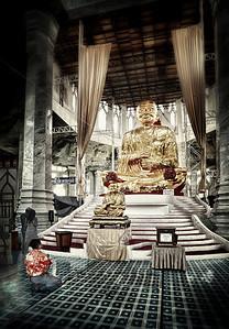 2013-01-02_Wat Luang Pau_To_interior_AtcharaFartherJake_HDR-mixed