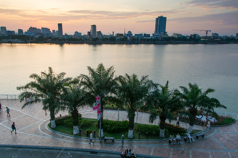 Early morning along the riverside in Da Nang, Vietnam, May 2015. [Da Nang 2015-05 ]