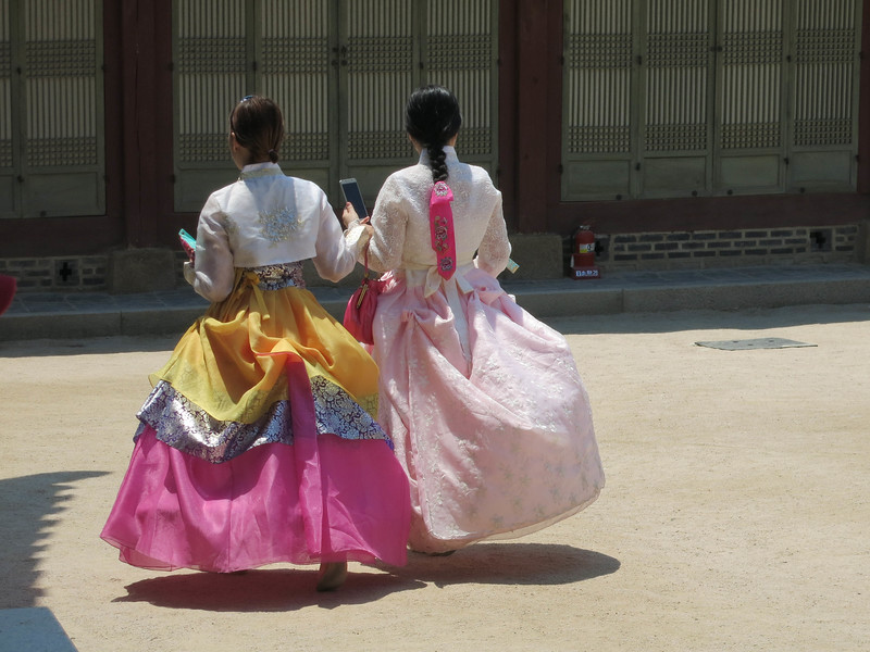 IMG_4256 costumes at palace