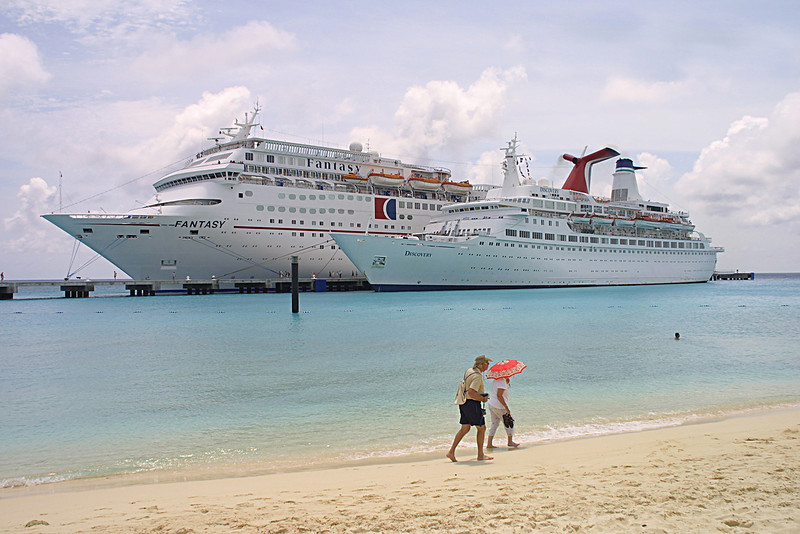 MV Discovery at the Caribbean Island of Grand Turk. Photo by Christian Wilkinson.