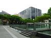 18-Singapore Management University forecourt and reflecting pool