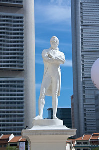 Statue of Sir Stamford Raffles on Boat Quay